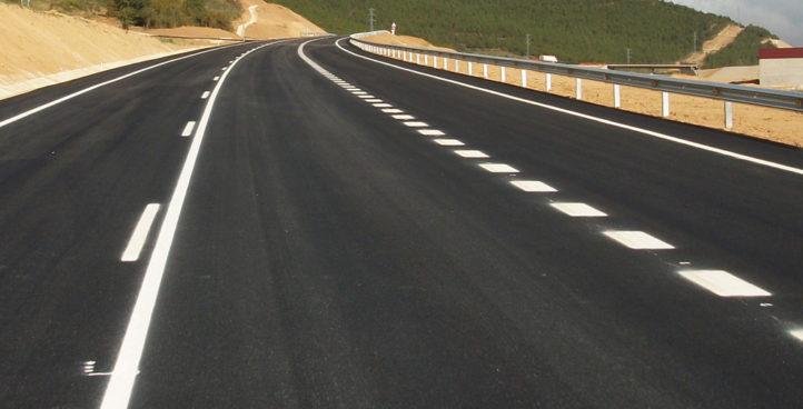 La retrorreflectividad y las microesferas de vidrio como elementos de seguridad vial