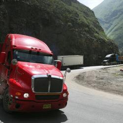 Vizcarra: Perú contará con dos carreteras centrales en 2019