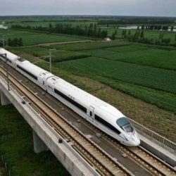 Perú y Bolivia impulsarán construcción de un tren bioceánico